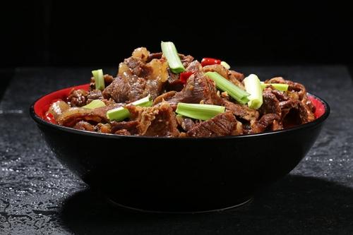 公安的牛肉火锅是怎么做的呢?